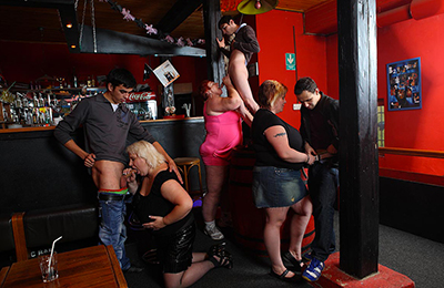 lots of bbw action on fatty pub